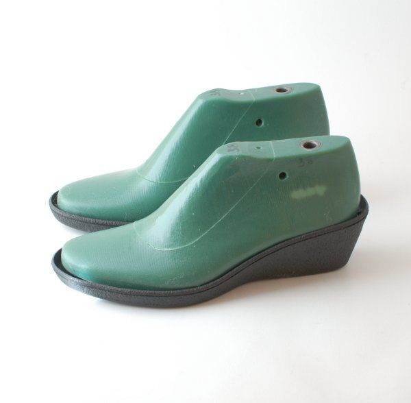 Shoe lasts for felting shoemaking - shoe lasts for medium heel height with a…