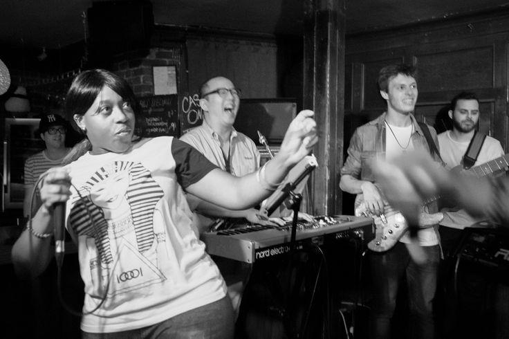 https://flic.kr/s/aHskD1GgkC | #LECYPHER WEEK 84 2016/07/14 // PERFECT STRANGERS + DR. MAD | De retour le 14 juillet suite à 3 superbes nuits au Jazz Fest, #LECYPHER, la soirée hip-hop et soul du jeudi soir la plus cool en ville est revenue en force. Solide première partie assurée par Perfect Strangers. Suivi de Urban Science qui a aussi su mettre le public en feu afin d'assurer un excellent jam session avec un public fort présent encore une fois. Merci à tous pour votre présence. Toujours…