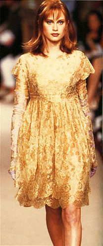 Emanuel Ungaro / Fall & Winter fashion show. 1996-1997.   Model / Natalia Semanova.