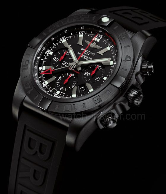 Breitling Chronomat GMT Black Steel: a limited edition of 1,000 pieces with an all-black design.
