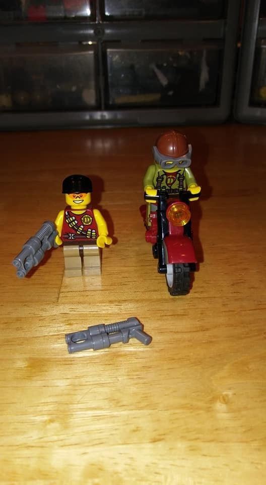 Lego Minifigure Dino Hunters With Motorcycle And Accessories