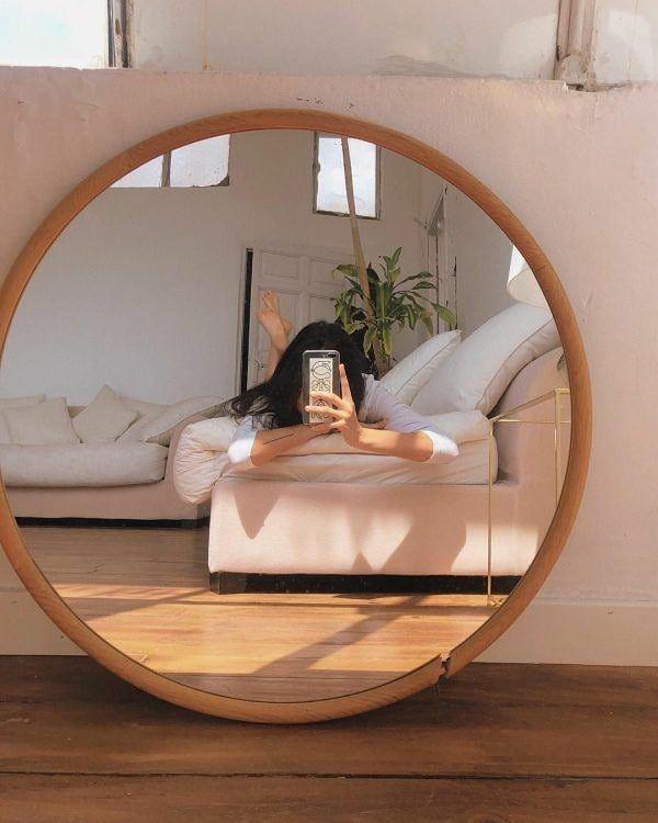 selfie aesthetic espejo hacer poses domingos korean eslamoda via subir puedes nada tus sin beige mirror aplicaciones bedroom tomarte creativas