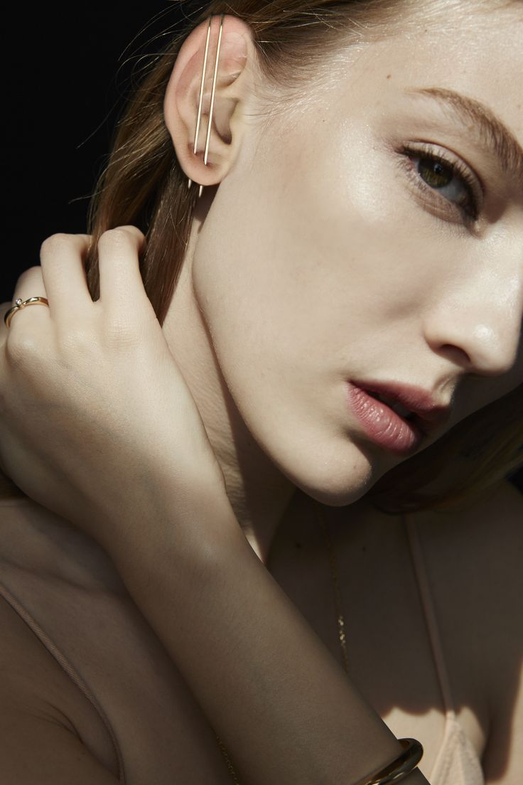 Kat Kim gold thread earring