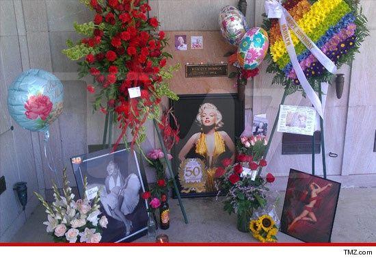 Marilyn Monroe Post-Mortem   Marilyn Monroes grave site.   Marilyn Monroe's death