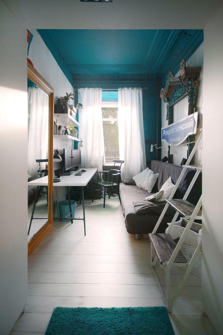 Фотография: Офис в стиле Современный, Малогабаритная квартира, Квартира, Цвет в интерьере, Дома и квартиры, Белый, Бирюзовый, коммунальная квартира – фото на InMyRoom.ru