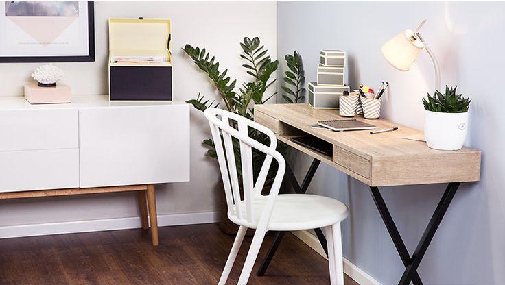 Handige tafel om een klein thuiskantoor mee te maken!