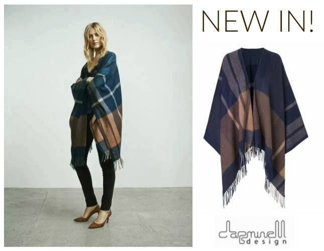 NEW IN! A poncho is a chic, modern and versatile piece to add warmth and style to every look.  The Martha Poncho of Second Female is a beautiful poncho with blue, grey and orange colours. Lovely to combine with a leather jacket!