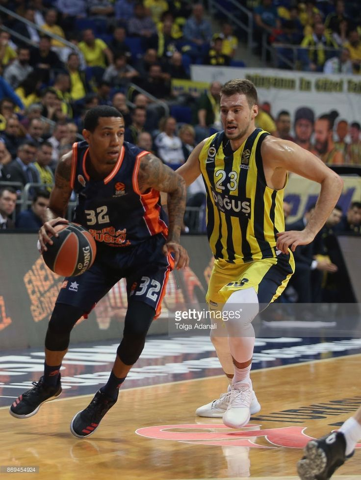 Erick Green, #32 of Valencia Basket and Marko Guduric, #23 of Fenerbahce Dogus Istanbul in action during the 2017/2018 Turkish Airlines EuroLeague Regular Season Round 5 game between Fenerbahce Dogus Istanbul and Valencia Basket at Ulker Sports and Event Hall on November 2, 2017 in Istanbul, Turkey.