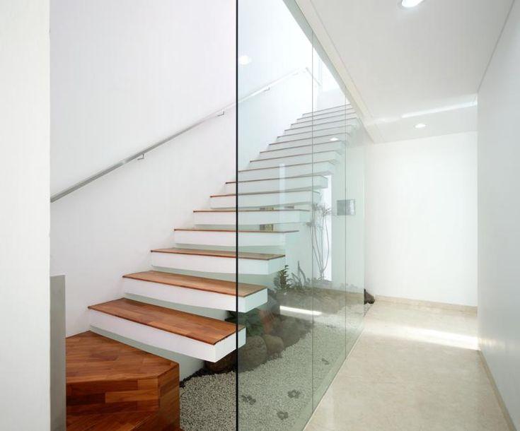Gallery of Leo House / Edha Architects - 14
