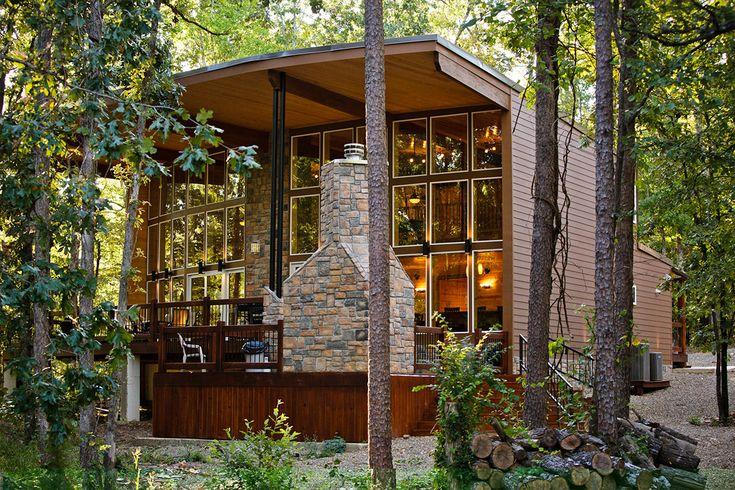 Hidden Hills Cabins // Three+ Bedroom Cabins // Broken Bow Oklahoma. hiddenhillscabinsok.com