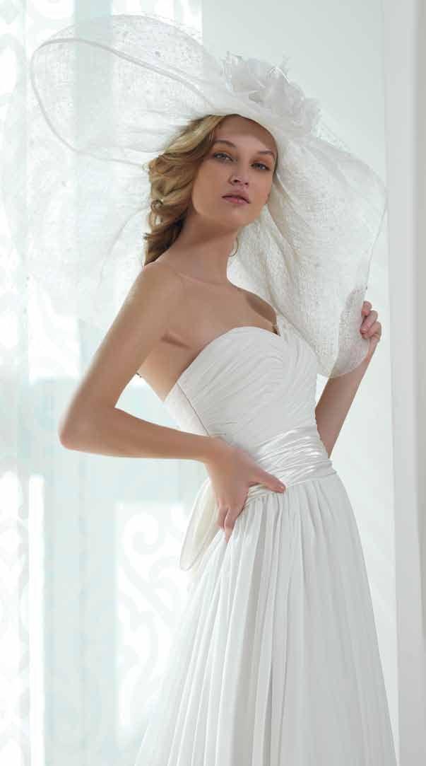 #elegance #weddingdress #style #vogue #sposa #abitidasposa #fashion #bridalfashion