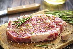 ADOBAR Marinar, aliñar. Preparado o mezcla de ingredientes que forman una salsa para sazonar carnes y otros alimentos.