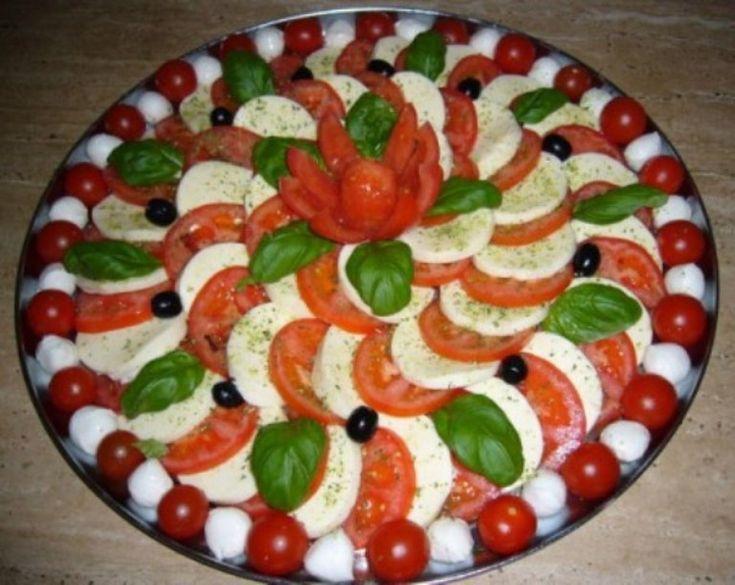 Salada linda que eu vi aqui no Pinterest e fiquei com vontade de fazer igual.
