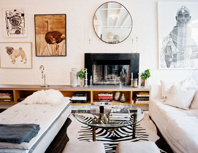Maybe someday...: Round Mirror, Living Rooms, Zebra Rugs, Living Spaces, Fireplaces, Interiors Design, Zebras Rugs, Black White, Interiordesign