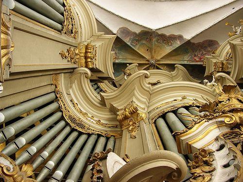 Beautiful Organ by Sauer in a case by Paul Schmidt