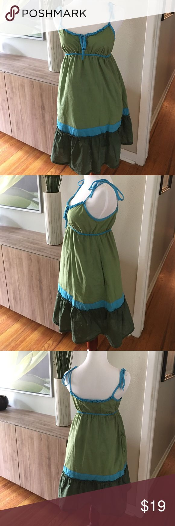 American Eagle dress size 6 Go green this spring with this fun dress size 6. Perfect summer dress. American Eagle Outfitters Dresses Mini