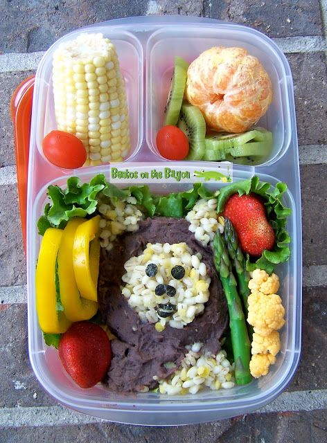 Making Lunch in a Box Fun For All Ages Bento is the Japanese art form of making a packaged lunch. It has taken a simple meal and turned it into an occasion, with beautifully designed lunchboxes and food that is so fun it resembles culinary art.