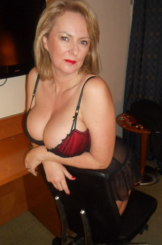 Pin On Sexy Mature Woman  Pinterest  Red Bra And Woman-8406
