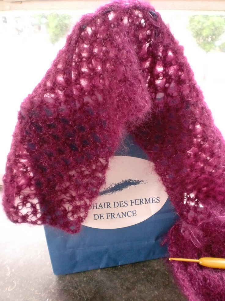 gehaakte sjaal van mohair geitjes wol uit Frankrijk