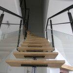 escalier métal et bois garde-corps métal et verre