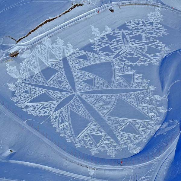 A Guy Making Amazing Snow Art - YeahMag