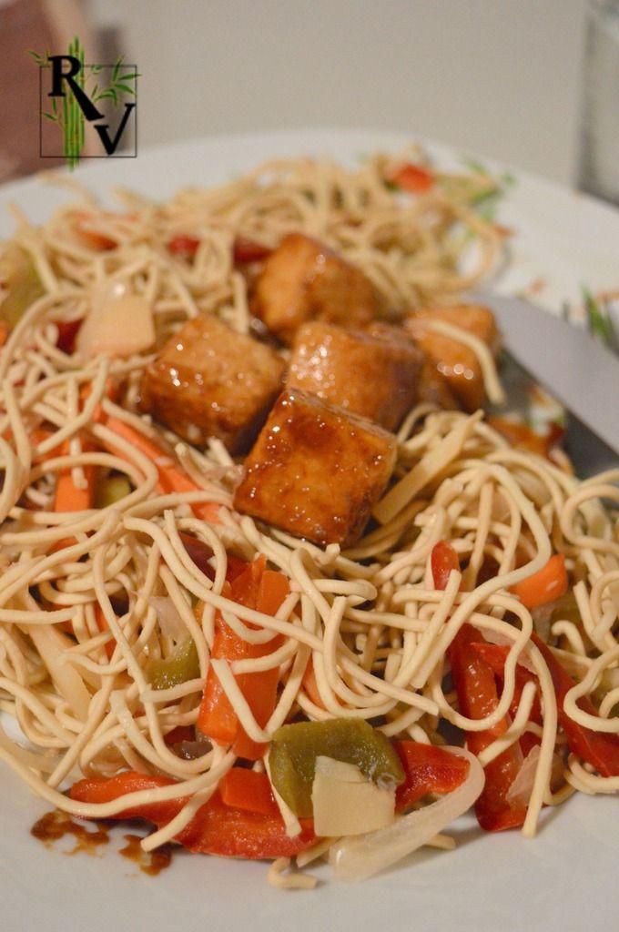 Une recette vraiment toute simple qui me fait apprécier le tofu ferme. Délicieux de cette façon ! . Difficulté: Facile Préparation: 15 mn Cuisson: 15 mn Repos: 0 mn Temps total: 30 mn Pour 2 personnes: * 200 g de tofu ferme nature * fécule de maïs * 3...