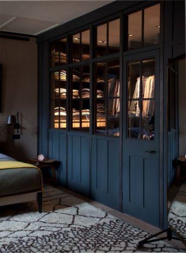 Les 25 meilleures id es concernant dressing chambre sur pinterest armoire a rideau rideau for Porte pour chambre forte