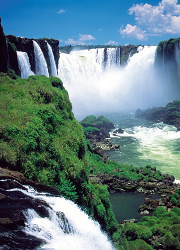 The thundering Iguazú Falls straddle the border between Argentina, Brazil and Paraguay