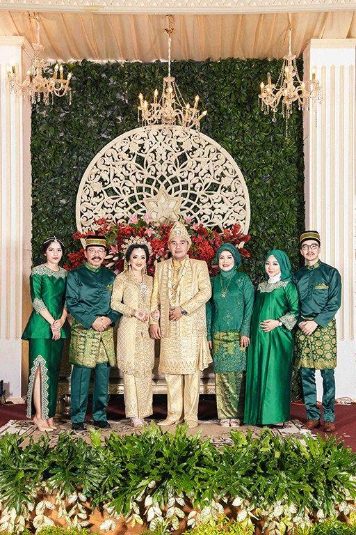 Perpaduan adat Jawa dan Melayu untuk pernikahan? Ternyata sangat cantik lho!