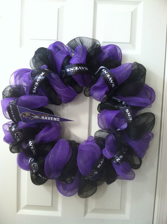 Baltimore Ravens Wreath - NEED to make one or two of these for 2014 Season for the HAWKS