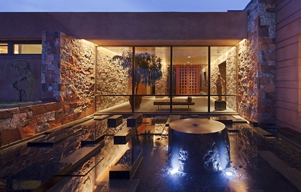 Santa Fe Retreat In New Mexico By Overland Partners