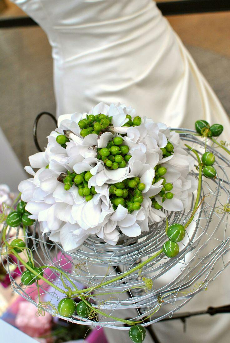 #wedding #bouquet #white #cyclamen #green #hippericum