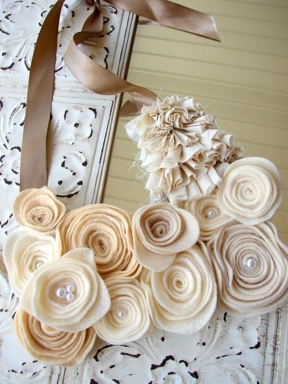 Flower felt necklace. Craft ideas from LC.Pandahall.com #pandahall