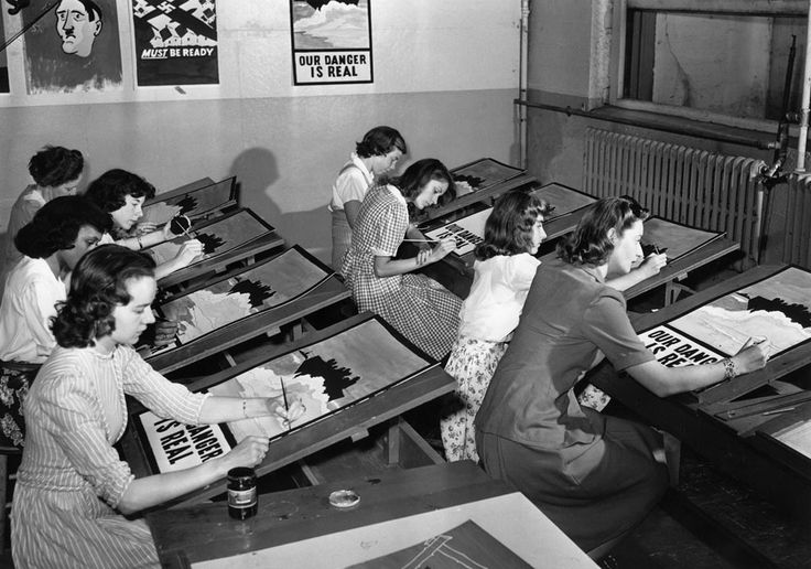 The art assembly line of female students busily engaged in copying World War II propaganda posters in Port Washington, New York, on July 8, 1942. The master poster is hanging in the background.: World War Ii, Propaganda Poster, Female Students, Art Assembl, Wwii Propaganda, New York, Poster Quadro-Negro, Port Washington, Master Poster