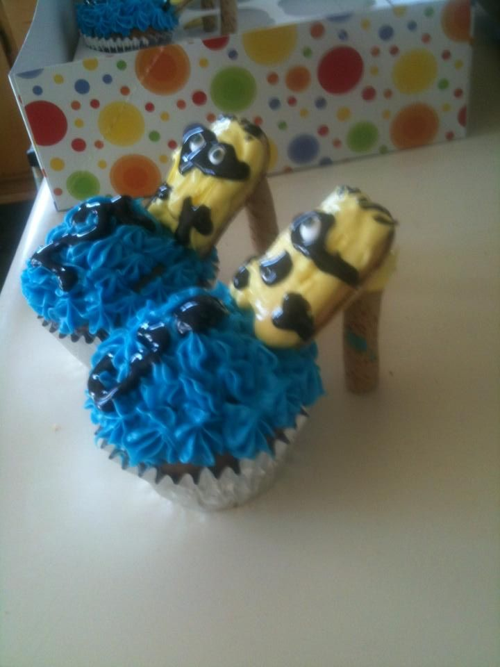 My twins turned 23. They love their high heels and also Minions from Despicable Me. He I combine both loves. Cupcake, Milano Cookies, and Pirouette Cookies.