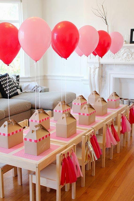 O aniversário do filho está chegando e sempre vem aquele dúvida sobre o que servir, sobre como decorar, pensando nisso coloquei aqui ...