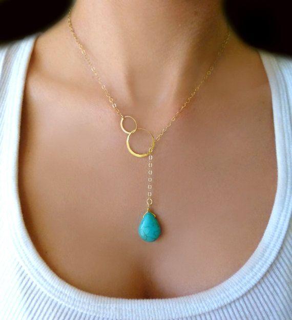 Sautoir turquoise - or ou argent    Une goutte de larme turquoise véritable polies brillantes et vives est attachée à une chaîne dor k rempli 14