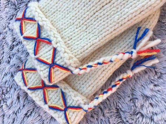 White / cream Swedish lovikka mittens men mittens 100%