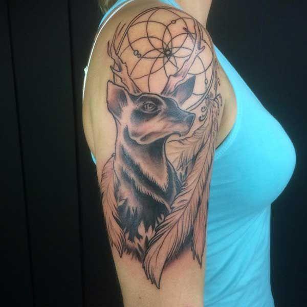 kol dövmesi kadın geyik