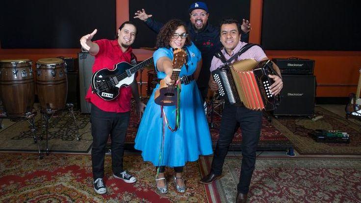 La Santa Cecilia Band