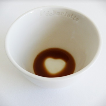Cute porcelain bowl by L'écharlotte. Find a love message when you finish your coffee !: Pottery Ideas, Bowl, Creative Ideas, Clever Idea, Ideas Job, Coffee, Products, Tazas Ideas
