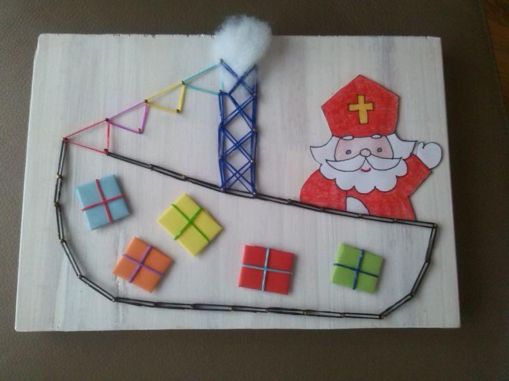 sinterklaasboot spijkeren met loom elastiekjes Sinterklaas knutselen