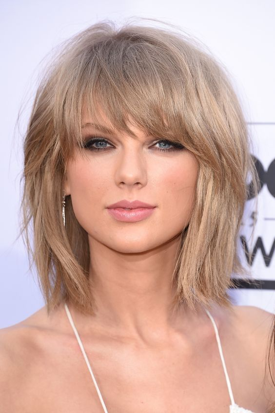 The 25 best taylor swift bangs ideas on pinterest taylor swift 25 amazing lob hairstyles that will look great on everyone lob hair 2018 medium haircuts with bangsbangs short urmus Image collections