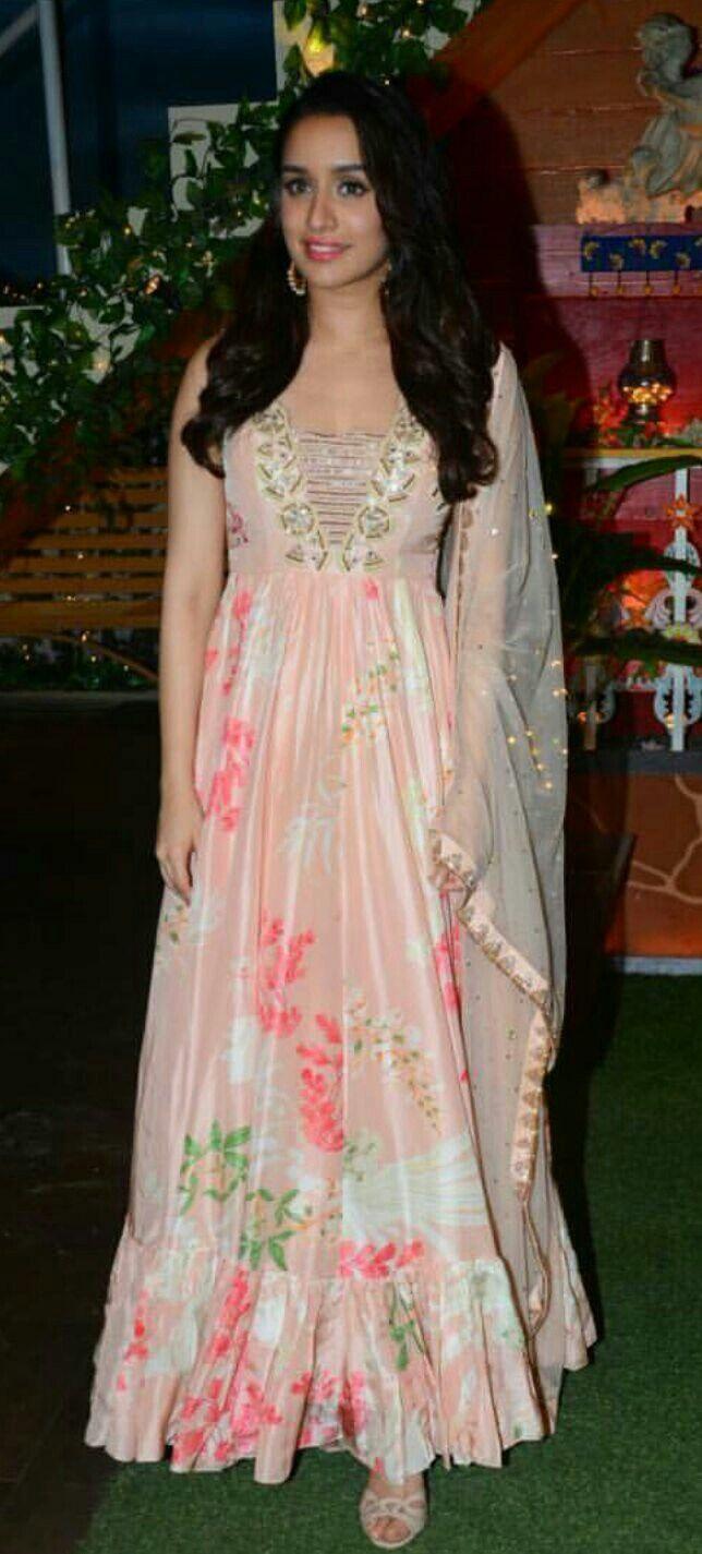 Shraddha kapoor looks beautiful#TKSS #Halfgirlfriend