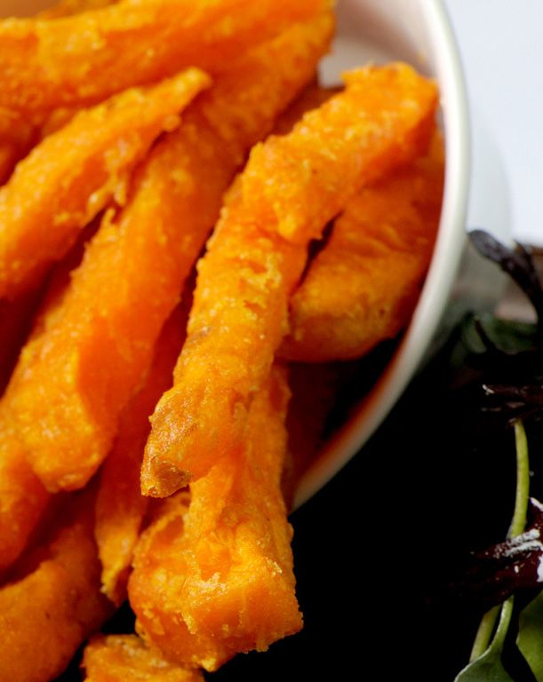 SWEET POTATO CHIPS - SIMON HULSTONE. Sweet potato chips go with a variety of burgers, sandwiches and other mains. Simon Hulstone pairs them with his squid and mackerel burger, but with this simple sweet potato chips recipe - you can be creative.