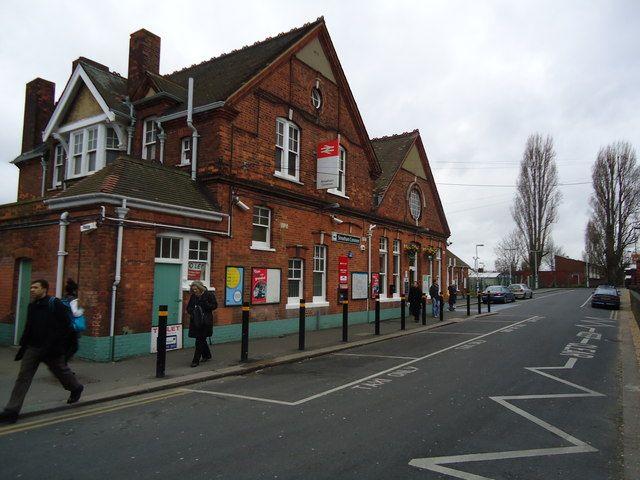 Streatham Common Railway Station (SRC) in Streatham, Greater London