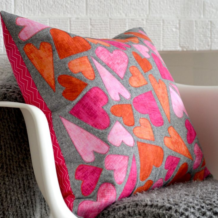 Sizzix Tutorial | Hearts Appliqué Pillow by Nicole Daksiewicz