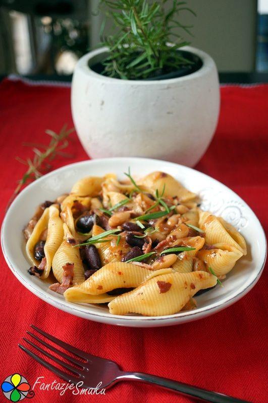 Muszle makaronowe w sosie z fasoli kidney i cannellini oraz świeżym rozmarynem http://fantazjesmaku.weebly.com/blog-kulinarny/muszle-makaronowe-w-sosie-z-fasoli-kidney-i-cannellini-oraz-swiezym-rozmarynem