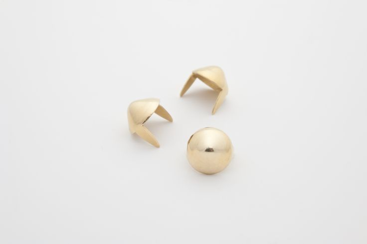 """stud - Cone small 3/8"""" Brass  ☆ Bag of 100 - $4.63 ☆ Bag of 500 - $22.07 ☆ Bag of 1000 - $40.71"""