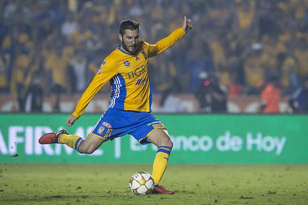Andre Gignac of Tigres scores a penalty during the Final second leg match between Tigres UANL and America as part of the Torneo Apertura 2016 Liga MX at Universitario Stadium on December 25, 2016 in Monterrey, Mexico.